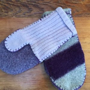 Accessories - Felted wool mittens with purple stripe